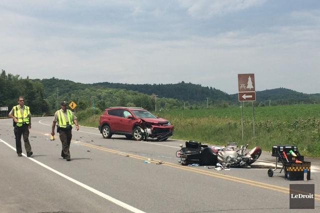 Une violente collision entre une moto et un... (Julien Paquette, LeDroit)