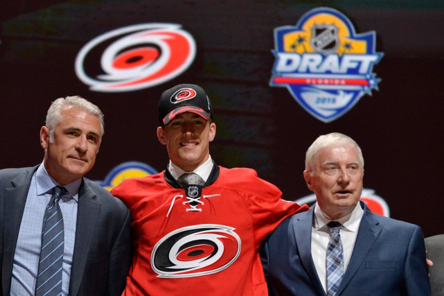 Les Hurricanes ont choisi Noah Hanifin cinquième au total... (PHOTO STEVE MITCHELL, USA TODAY)
