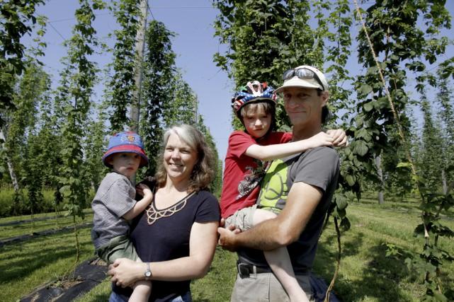 Déric Hamelin, Julie Corry et leurs enfants, Adrian,... (photo Julie Catudal)