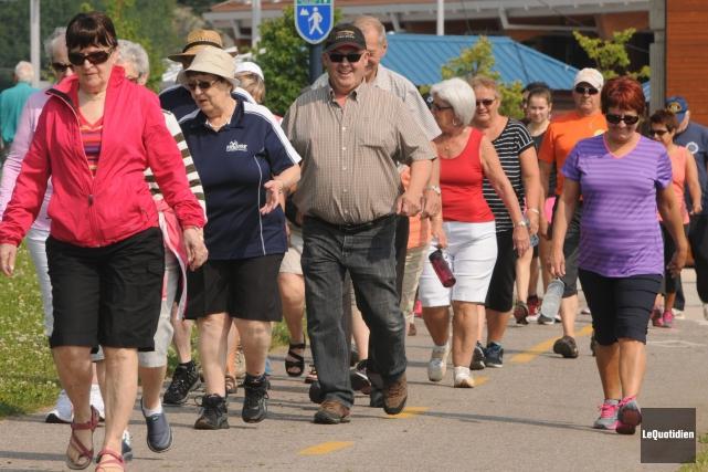 Depuis juin, une soixantaine de personnes se réunissent... ((Photo Le Quotidien, Michel Tremblay))