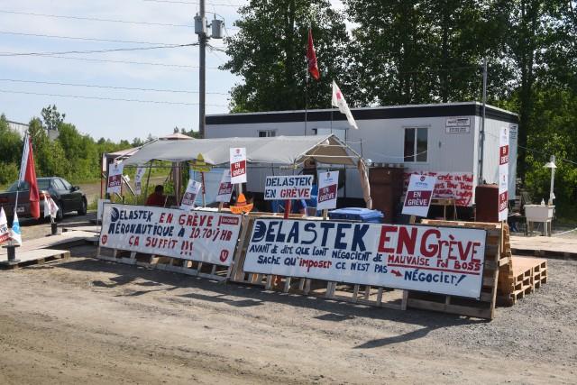 La grève à l'usine Delastek perdure depuis le... (photo: François Gervais)