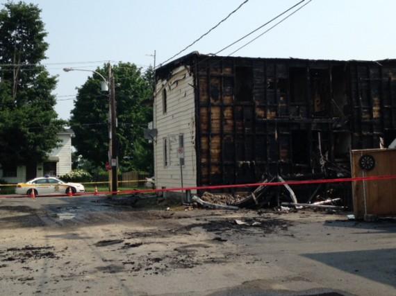 Le bâtiment est une perte totale, estime le... (Photo Alain Dion)