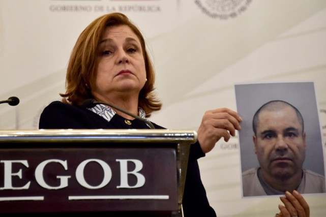 La procureure générale du Mexique Arely Gomez montre... (PHOTO AFP)