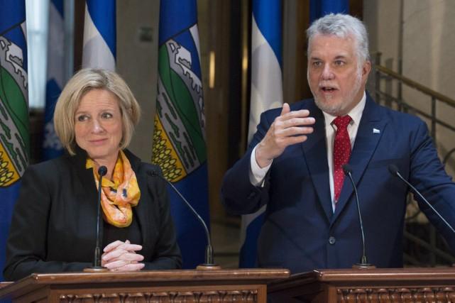 La première ministre de l'Alberta, Rachel Notley, et... (PHOTO JACQUES BOISSINOT, LA PRESSE CANADIENNE)