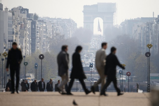 La pollution de l'air coûterait plus de 100 milliards d'euros (140 milliards de... (PHOTO REUTERS)