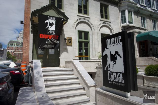 L'établissement touché est le Queue de Cheval, situé... (PHOTO ANDRÉ PICHETTE, ARCHIVES LA PRESSE)