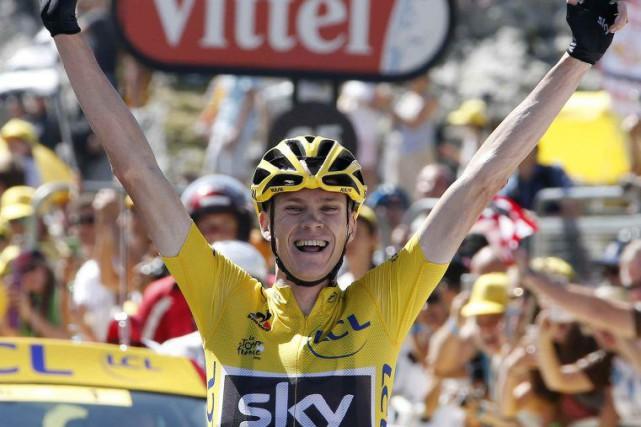 Le Britannique Chris Froome mène toujours le Tour... (Reuters)