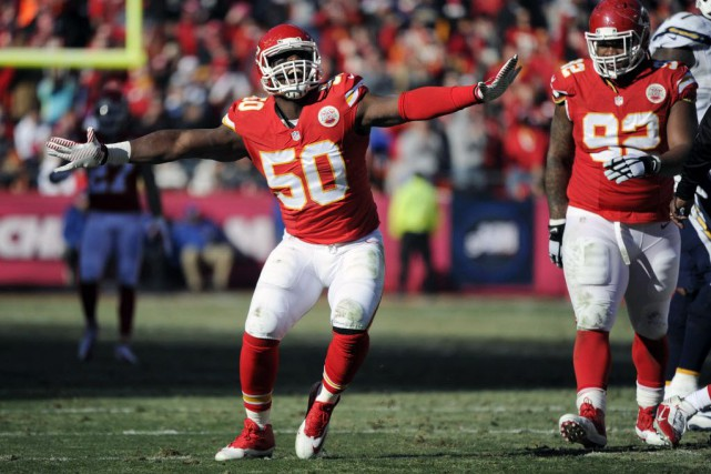 Justin Houston... (Photo Ed Zurga, archives AP)