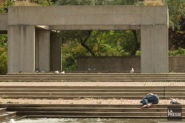 L'Agora du square Viger devait être démolie en... (PHOTO PATRICK SANFAÇON, ARCHIVES LA PRESSE)
