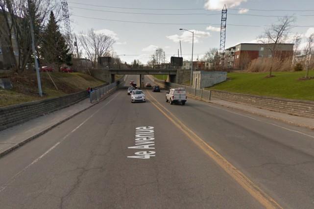 Le lien réservé aux cyclistes est délimité pour... (Google Street View)