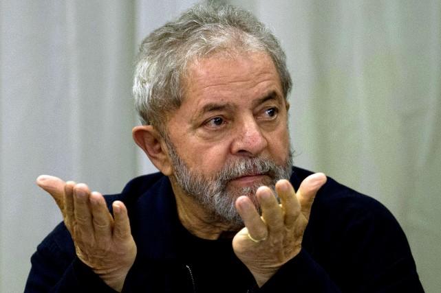 L'ancien président brésilien Luiz Inacio Lula da Silva... (PHOTO ARCHIVES AFP)