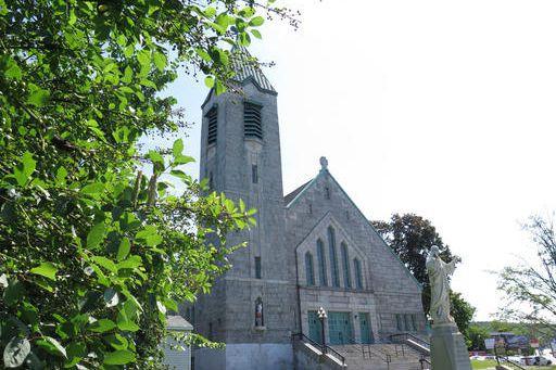 L'église Sainte-Jeanne-d'Arc, située sur la rue Galt Ouest, a été mise en... (Imacom, René Marquis)