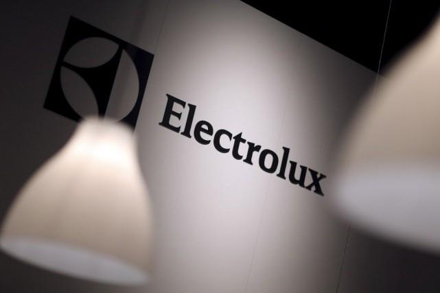 Le fabricant d'électroménagers suédois Electrolux a publié vendredi des... (Photo Hannibal Hanschke, archives Reuters)