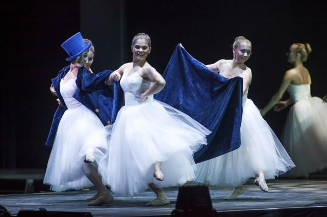 Les douze ballerines de l'école de danse L'Astragale... (Courtoisie Corporation des événements de Trois-Rivières)