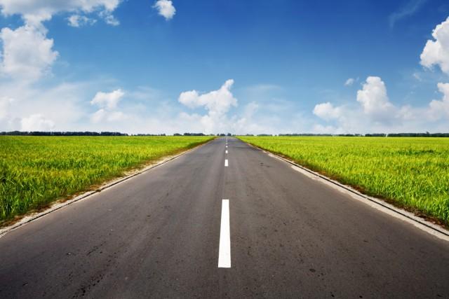La route est souvent un mal nécessaire pour se rendre à destination. Des heures... (Shutterstock, SergeyIT)