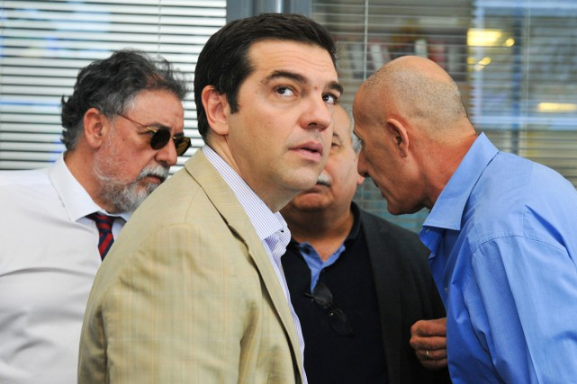 Alexis Tsipras a procédé à dix changements au... (PHOTO GIANNIS KOTSIARIS, IN TIME NEWS/AP)