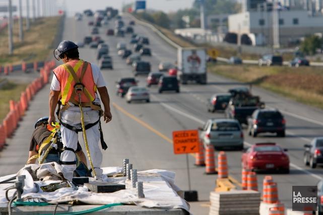 «Vacances de la construction ou pas, plusieurs chantiers... (PHOTO PATRICK SANFAÇON, ARCHIVES LA PRESSE)