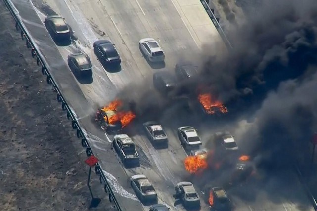 C'est sur l'autoroute 15, qui relie Los Angeles... (Photo NBCLA.COM/Reuters)