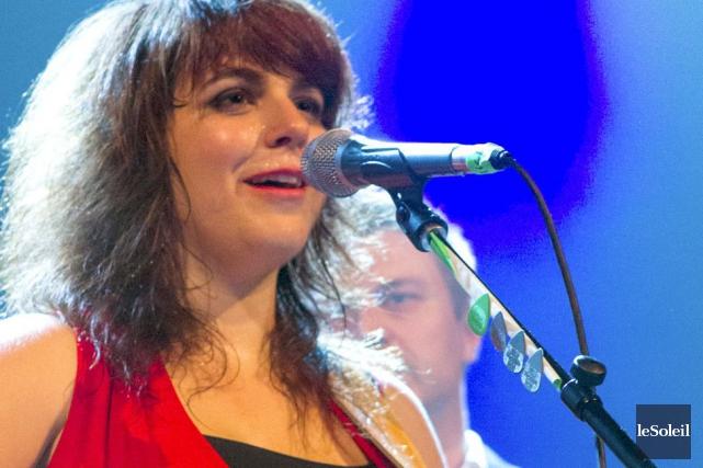 L'Acadienne Lisa LeBlanc s'est présentée sur scène devant... (Le Soleil, Caroline Grégoire)