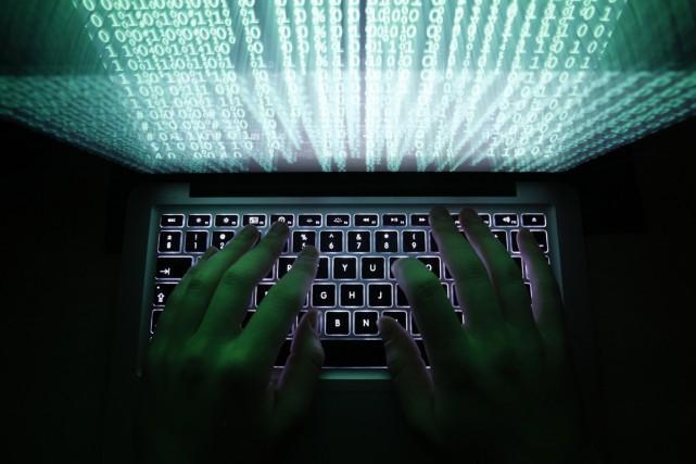 Toutes les trouvailles des pirates informatiques, qui comprennent... (Photo Kacper Pempel, archives Reuters)
