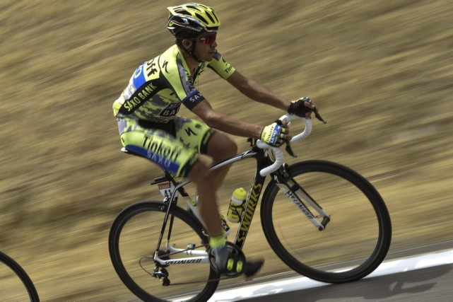 Alberto Contador... (PHOTO JEFF PACHOUD, AFP)