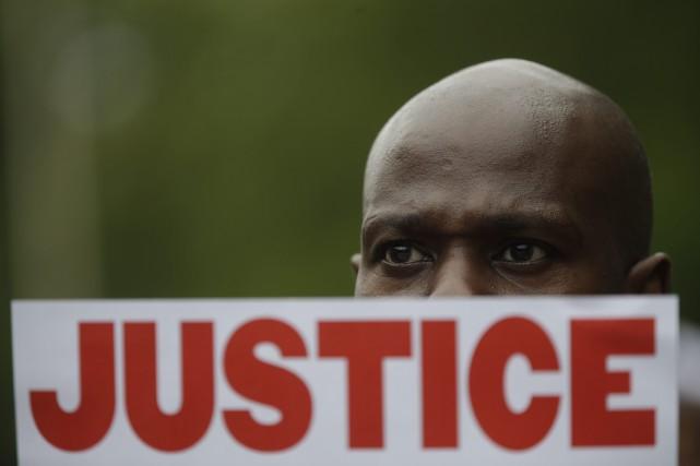 M. Garner est mort après qu'un policier eut... (Photo Mary Altaffer, AP)