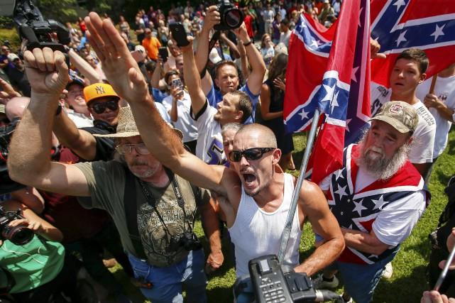 Les membres du Ku Klux Klan, organisation qui... (Photo Chris Keane, Reuters)