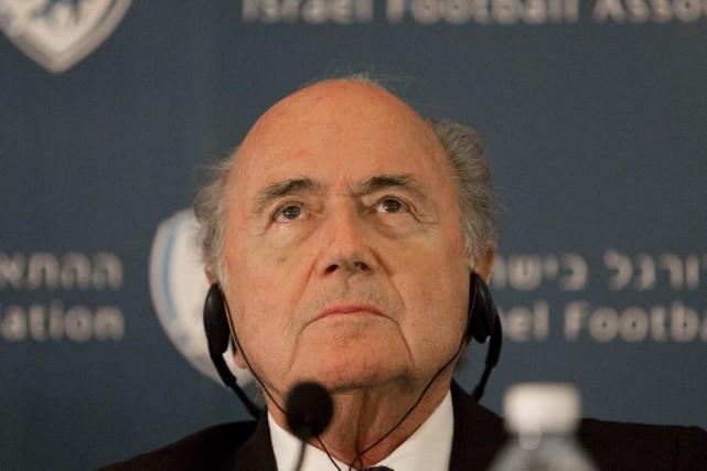 Sepp Blatter.... (PHOTO TSAFRIR ABAYOV, ARCHIVES AP)