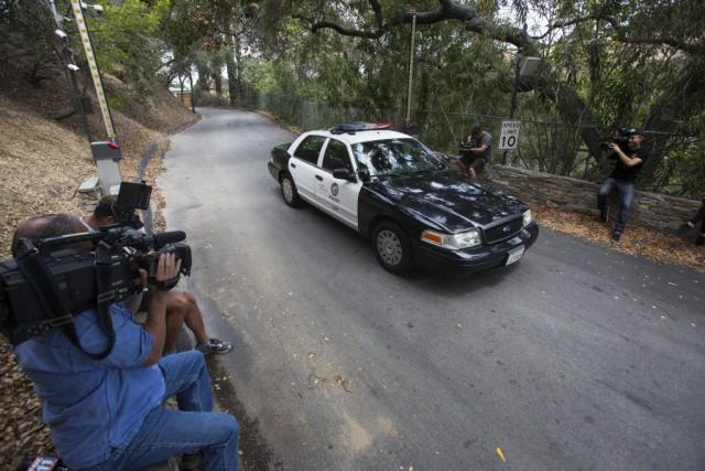 La police est arrivée aux premières heures du... (Photo Ringo H.W. Chiu, AP)