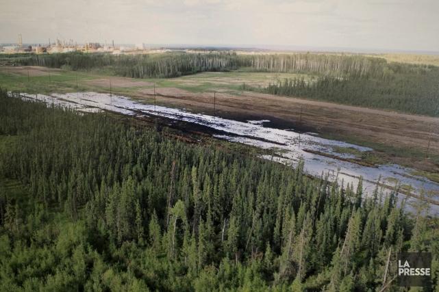Un cours d'eau contaminé par le déversement de... (Pohto Larry MacDougal, archives PC)
