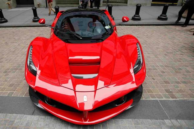 Les premiers pas à Wall Street de Ferrari se précisent: le constructeur italien... (PHOTO EDUARDO MUNOZ, ARCHIVES REUTERS)
