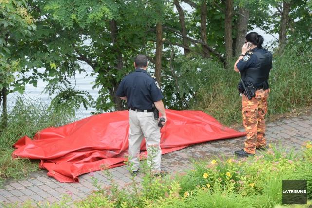 On connaît maintenant l'identité de l'homme retrouvé mort dans les eaux du lac... (Imacom, Maxime Picard)