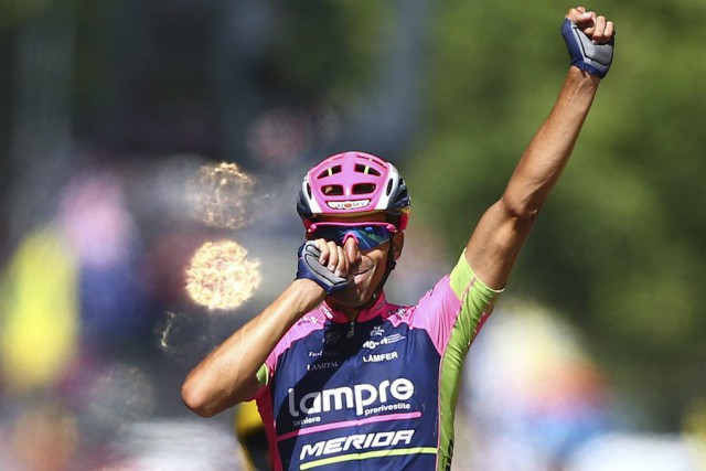 Ruben Plaza a célébré sa victoire à sa... (PHOTO PETER DEJONG, AP)