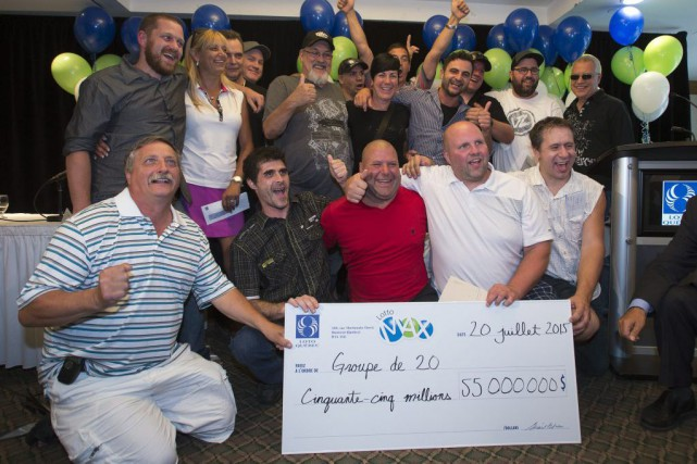 Les gagnants, qui empochent 2,75 millions de dollars... (Photo Ryan Remiorz, PC)