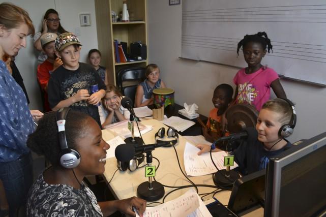Attentifs et à l'écoute dans le studio de... (photo Laetitia Angba, Fondation du Dr Julien)