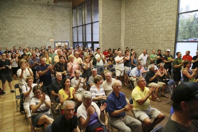 L'annonce du conseil a déclenché un tonnerre d'applaudissements.... (photo Janick Marois)