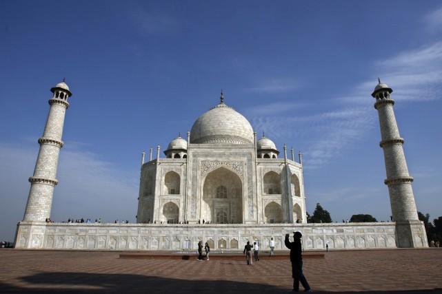 Le Taj a été construit par l'empereur moghol... (PHOTO AHMAD MASOOD, ARCHIVES REUTERS)