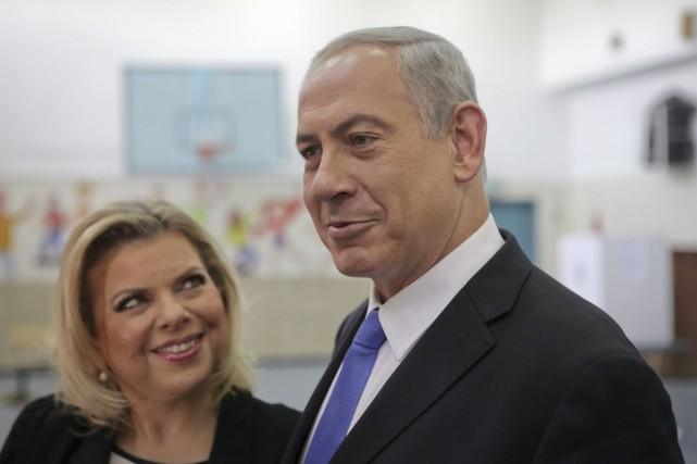 Sara etBenyamin Nétanyahou à Jérusalem, en octobre 2013.... (PHOTO DAN BALILTY, ARCHIVES AP)