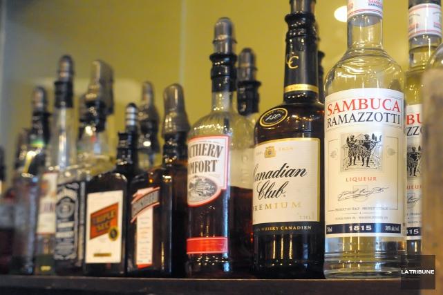 un bar perd son permis d 39 alcool pour 21 jours claude plante faits divers. Black Bedroom Furniture Sets. Home Design Ideas