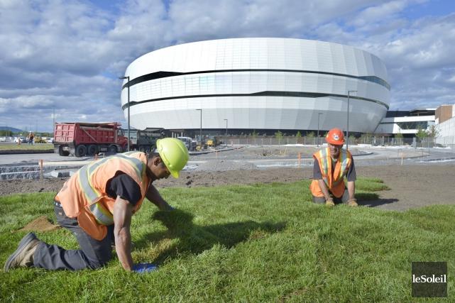 Le centre Vidéotron, presque terminé, ouvrira ses portes... (Photo Jean-Marie Villeneuve, archives Le Soleil)