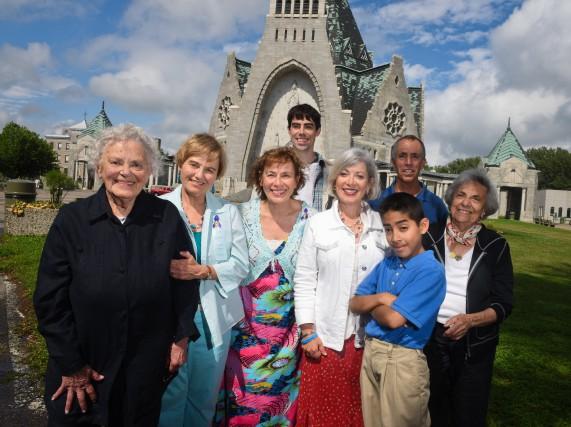 Quatre des cinq générations ayant participé au pèlerinage... (photo: François Gervais)