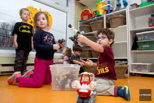Les centres de la petite enfance constatent ces jours-ci l'ampleur des... (Archives La Tribune, Jessica Garneau)