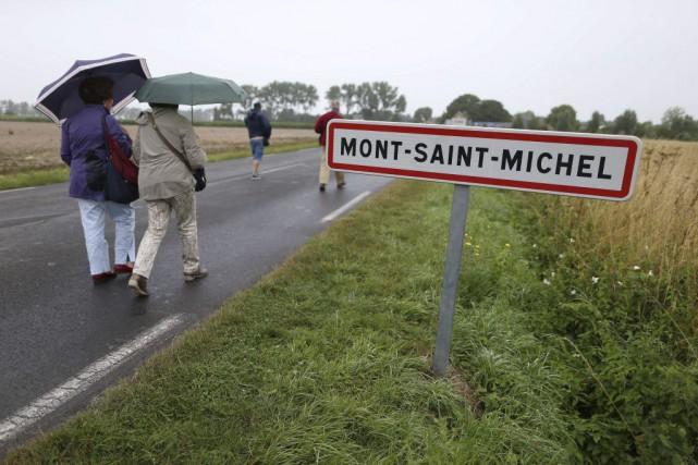 «Normalement, à cette saison, le Mont-Saint-Michel est bondé», assure la... (PHOTO AFP)