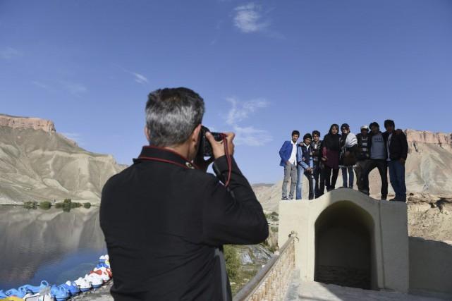Mohammed Ibrahim s'arrête au beau milieu d'un sentier escarpé. Haletant, le... (PHOTO AFP)