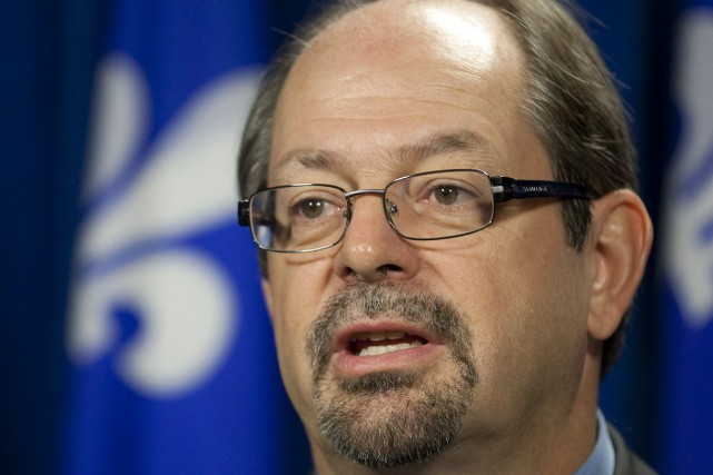 Le ministre des Affaires autochtones, Geoffrey Kelley... (PHOTO ARCHIVES LA PRESSE CANADIENNE)