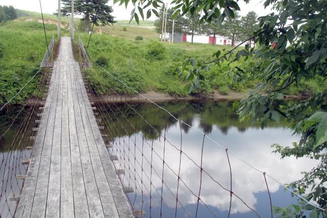 Histoire touchante que celle du pont de broche... (Collaboration spéciale François Bourque)