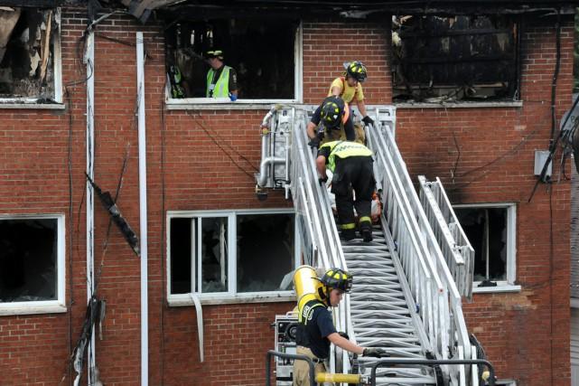 Trois personnes ont péri dans un incendie survenu dans la nuit de mercredi à... (Photo collaboration spéciale Éric Beaupré)