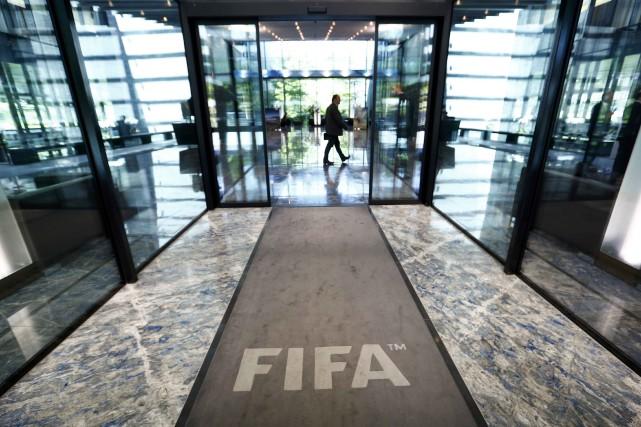 Huit des neuf élusde la FIFA qui ont... (Photo Arnd Wiegmann, Reuters)