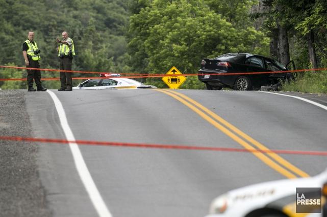 L'accident est survenu peu avant midi sur la... (PHOTO HUGO-SÉBASTIEN AUBERT, LA PRESSE)