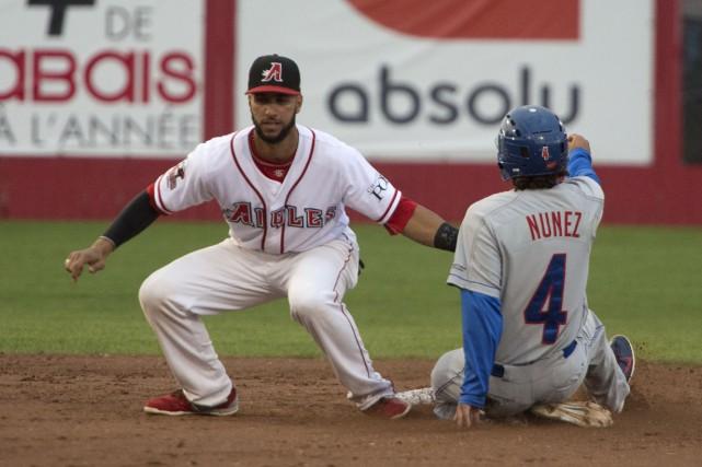 Jose Cuevas et les Aigles ont été surpris... (PHOTO: STÉPHANE LESSARD)